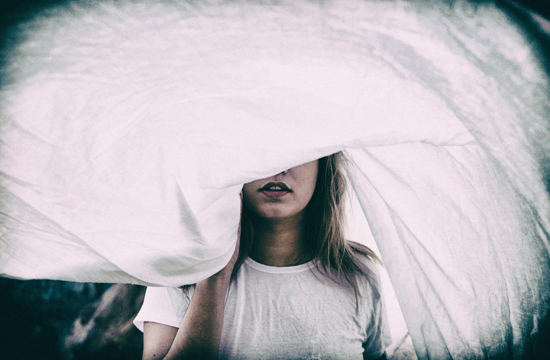 È il pregiudizio che danneggia le donne (e la loro salute)